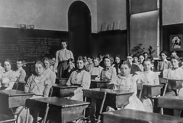 Washington DC School Class - 1890s - The Frugal Guide to Online Learning