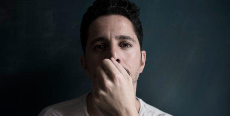 ״לא יכלתי לעבוד יותר בסטודיו; אני רוצה לכתוב מוזיקה איפה שהחיים קורים״ - ראיון עם J.Views