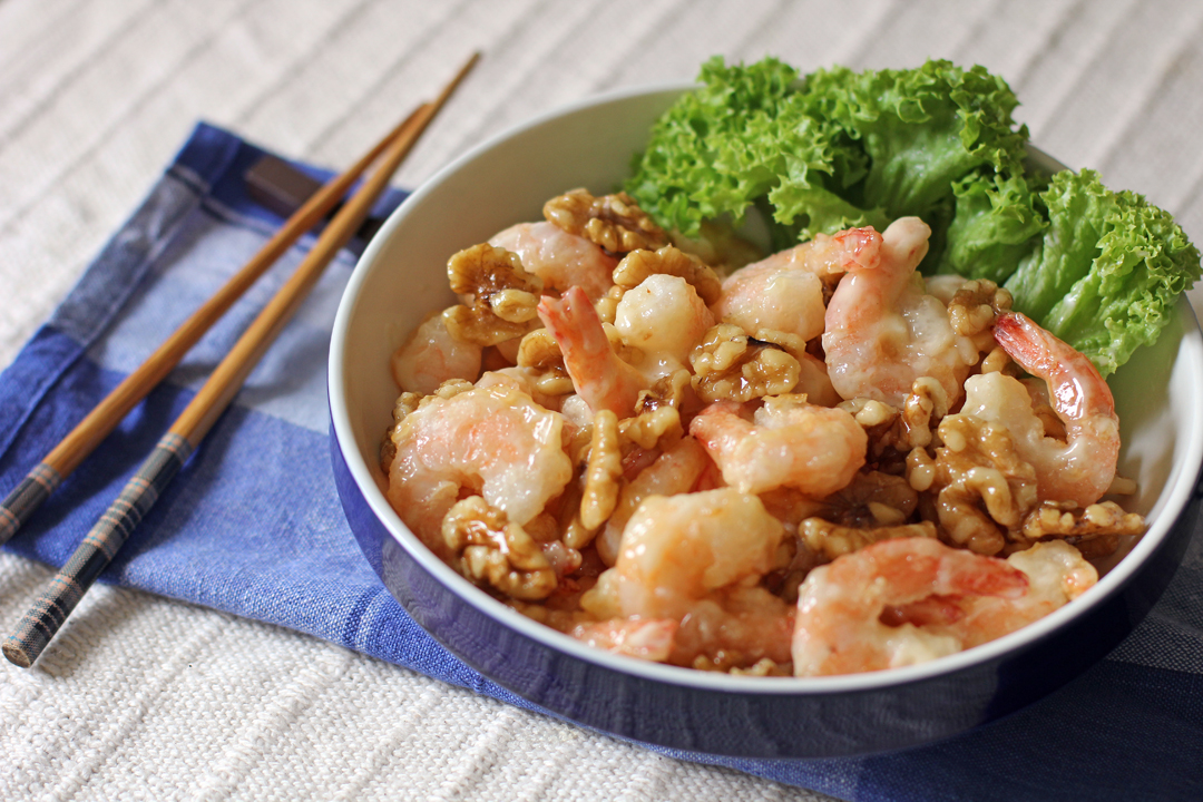 honey walnut prawns or honey walnut shrimps is a chinese american dish ...