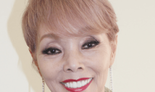 http://www.rafu.com/2015/10/【ぴーぷる】:芸能生活45周年、研ナオコさん/