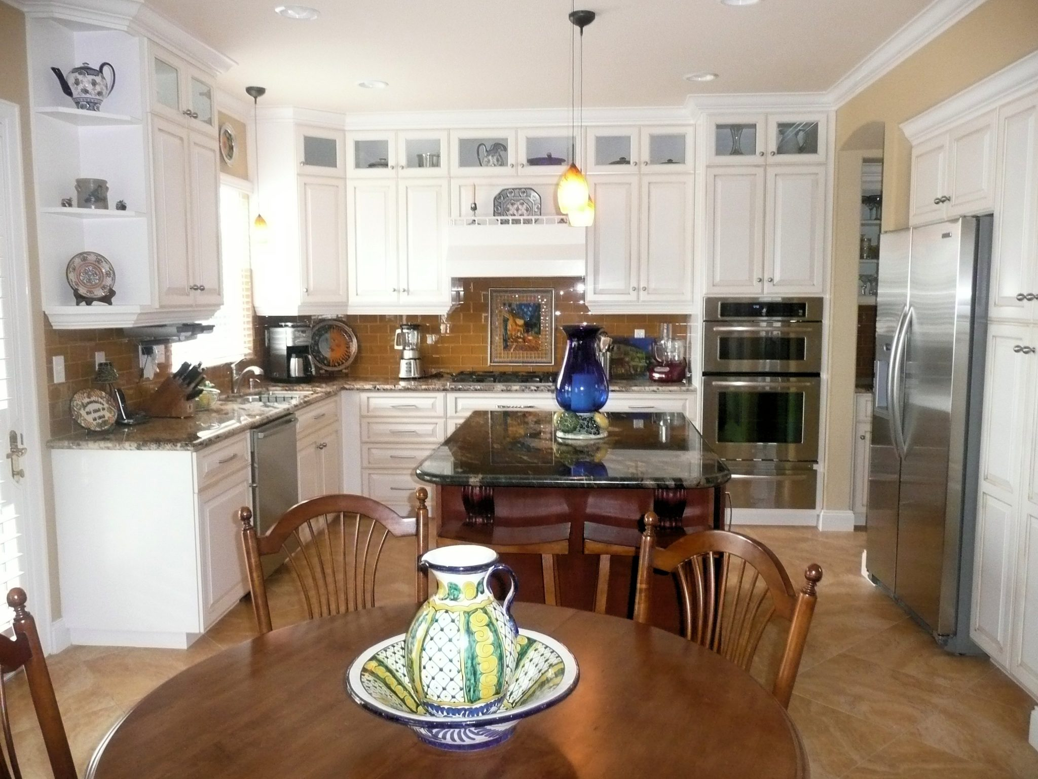 Fullsize Of Traditional Country Kitchen