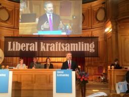 Jan Björklund argumenterar för namnbytet.