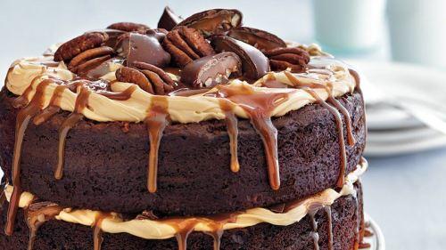 chocolate turtle layer cake