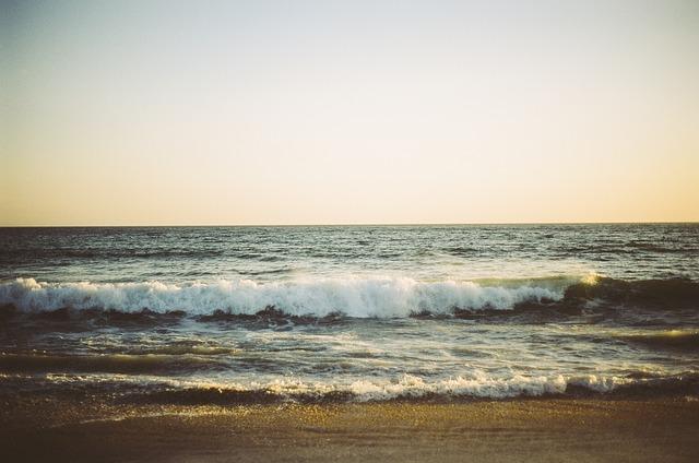 ocean-405904_640