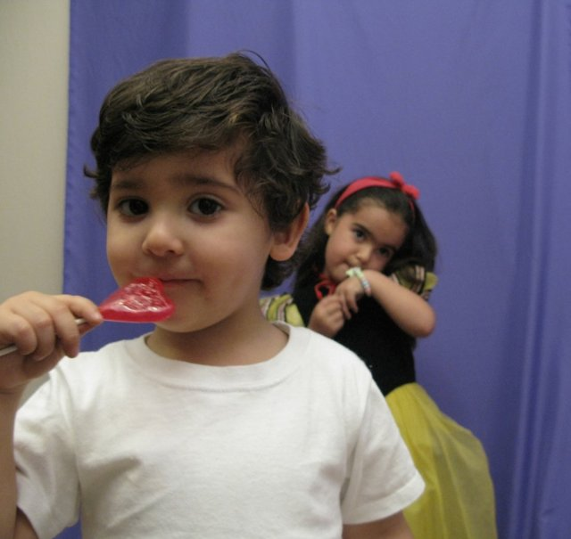giving-children-sugar-doesnt-make-them-hyper-in-several-trials-kids-were-just-as-hyper-when-given-sugary-or-sugar-free-drinks