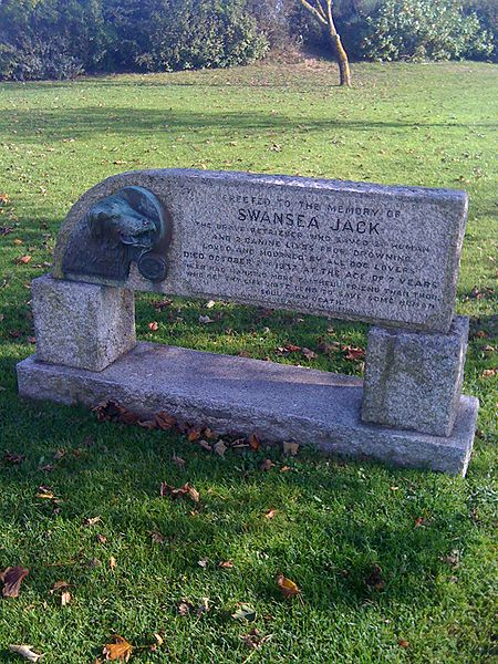 Swansea_Jack_memorial
