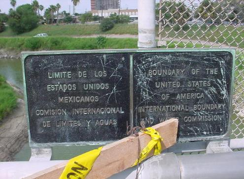 US_Mexican_border_plaque
