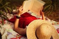 Δεν είστε ποτέ μόνοι όταν είστε μαζί με ένα καλό βιβλίο