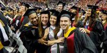Είναι το πτυχίο πανεπιστημίου μια καλή επένδυση;
