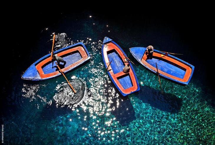 Κεφαλονιά: Ετοιμες οι βάρκες για το σπήλαιο της Μελισσάνης