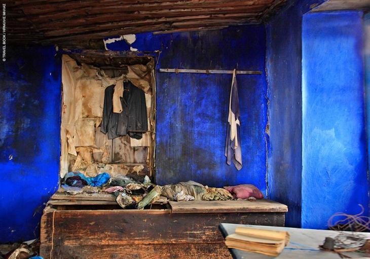 Σπάρτη: Το σπίτι παλιό και εγκαταλελειμμένο στην Αναβρυτή, μα η μπογιά στον τοίχο λαμπερή όπως τότε