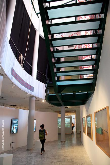 Κρατικό Μουσείο Σύγχρονης Τέχνης, Θεσσαλονίκη: Η συλλογή Κωστάκη απαρτίζεται από 1.275 έργα τέχνης σημαντικών καλλιτεχνών της ρωσικής πρωτοπορίας. Παράλληλα, το μουσείο που αξιοποιεί και τη σύγχρονη ψηφιακή τεχνολογία, προβάλει τη σύγχρονη ελληνική τέχνη και καλλιτέχνες από όλο τον κόσμο. * Τρίτη- Κυριακή 10:00-18:00, Εγνατίας 154 (εντός ΔΕΘ-HELEXPO)