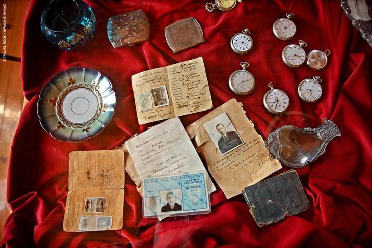 Μουσείο Θεσσαλικής Ζωής, Λάρισα: Ο αγροτικός και ο αστικός τρόπος ζωής των τελευταίων 120 χρόνων στη Θεσσαλία μέσα από αυθεντικά εκθέματα εποχής στο αρχοντικό της οικογένειας Συρμακέζη. * Ελάτεια, 24950 22262, 22688, www.mtl.org.gr