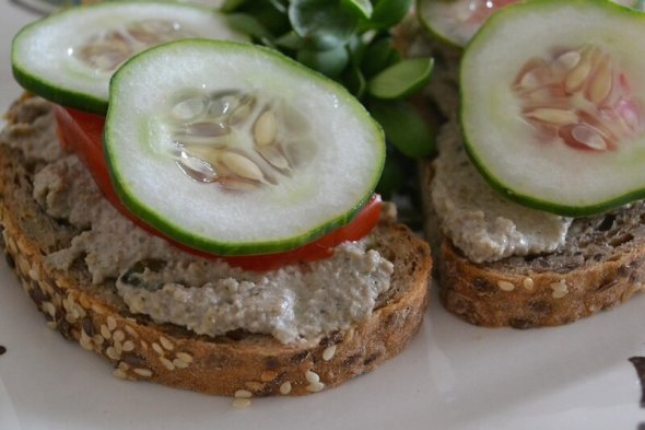 Sunflower Pepita Hemp Bread Spread1 An Unrefined Vegan