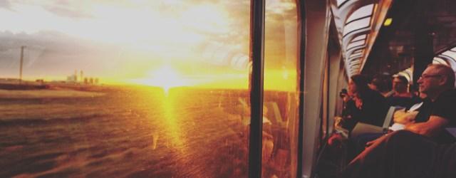 Au réveil, passé Salt Lake city dans la nuit, les premiers levés se retrouvent pour admirer le lever du soleil // In the morning, just the night after the train stopped in Salt Lake City...