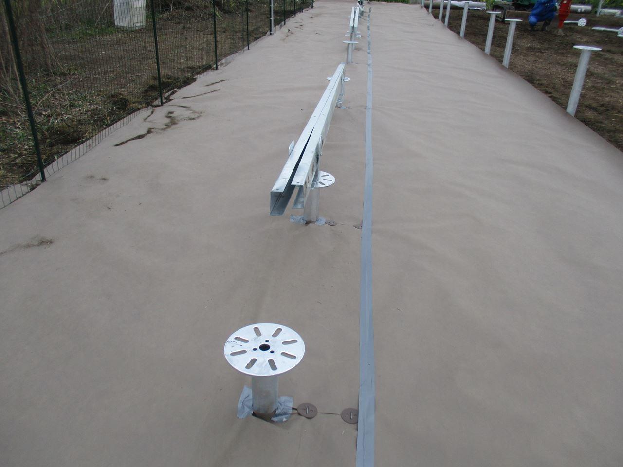 太陽光発電所の防草シートをDIYで格安設置