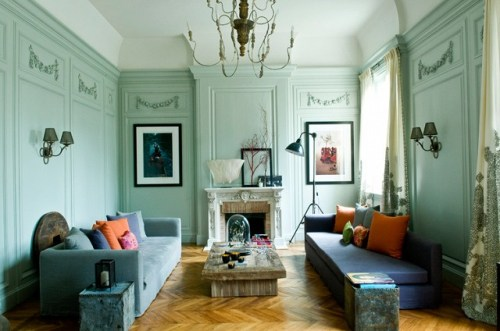 pale french room. d mesure