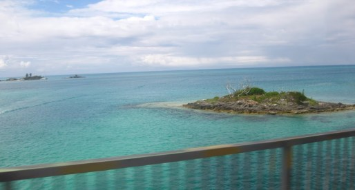 Bermuda: limestone cliffs and pink sandy beaches