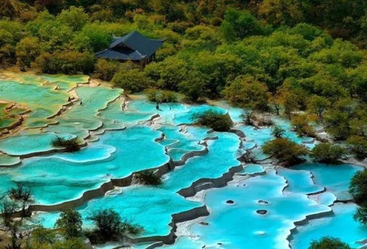 five-color-ponds-huanglong-national-park-545