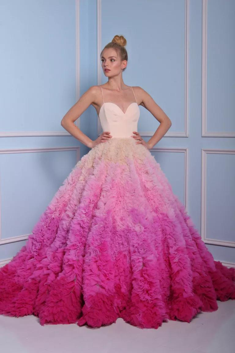 15 minutes with christian siriano ombre wedding dress Christian Siriano for Kleinfeld Spring bridal collection pink ombre wedding dress
