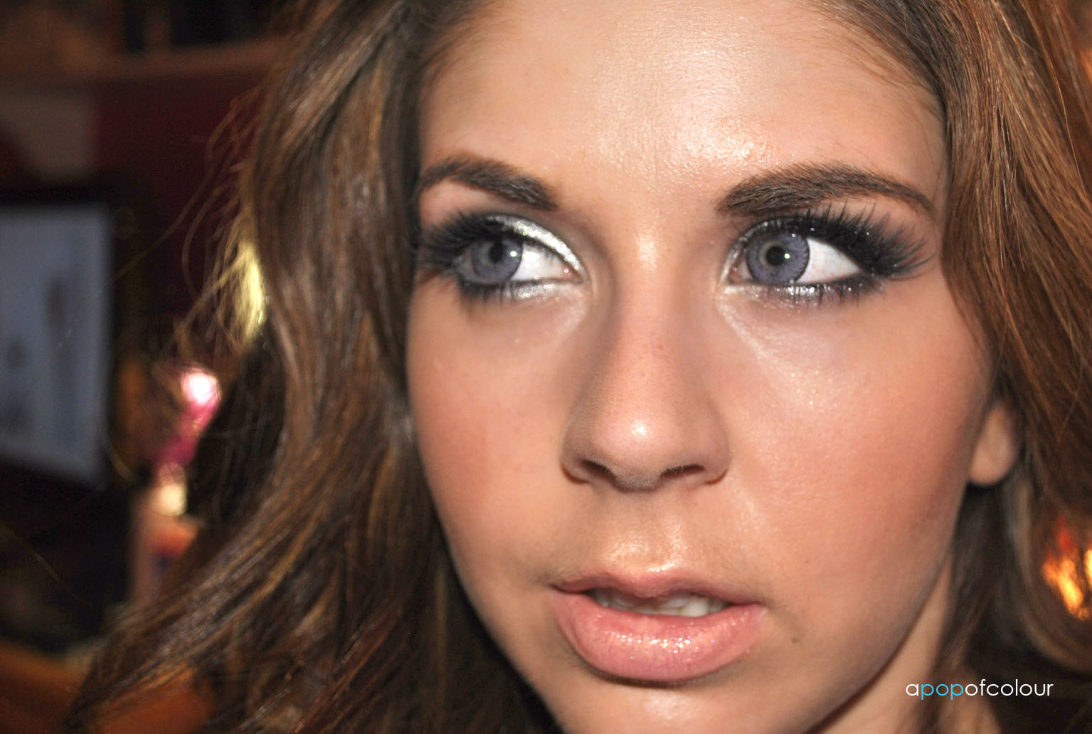 i thought i would put together some looks which are easy to do this fairy makeup look is simple and can easily transcend into the holiday season if you