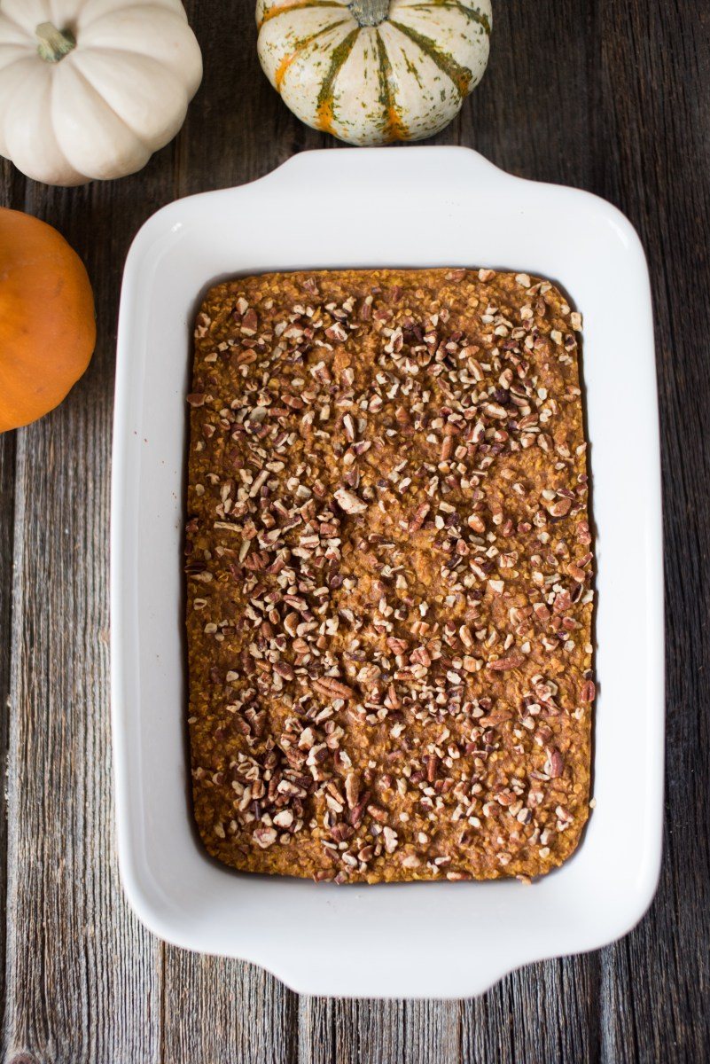 Pumpkin Spice Baked Oatmeal- this tastes JUST like a pumpkin pie but is healthy!