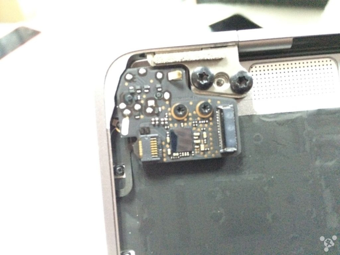 apple-macbook-12-inch-2015-disassembly-31