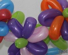 home-esculturas-de-baloes-flores-petalas-coloridas