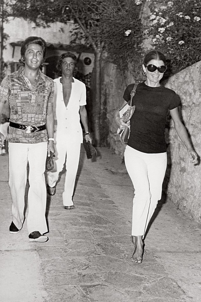 giancarlo-giammetti-with-valentino-and-jacqueline-kennedy-onassis-in-capri-in-1971