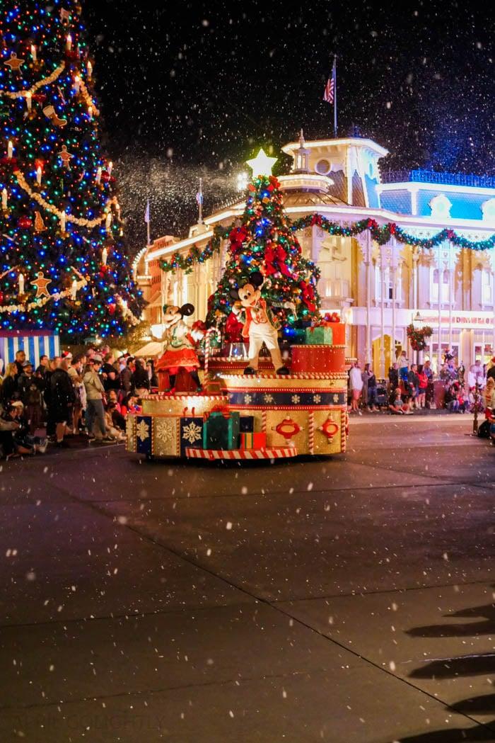 disney-very-merry-christmas-12-of-34