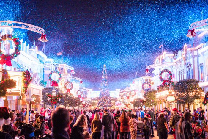 disney-very-merry-christmas-16-of-34