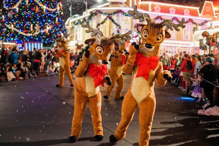 disney-very-merry-christmas-4-of-34