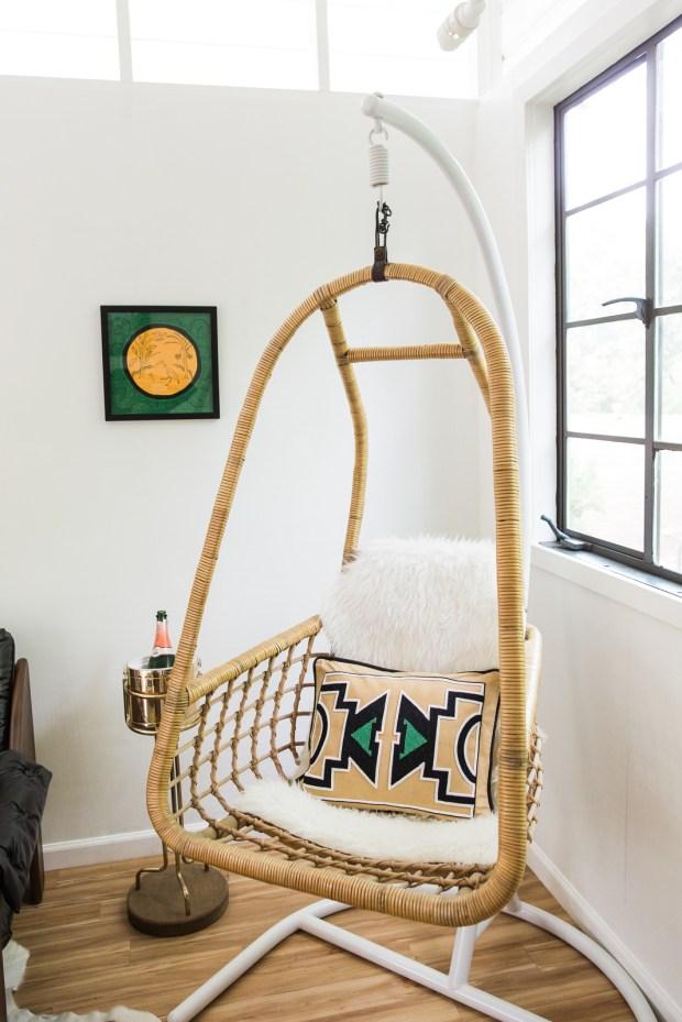 AQUAHAUS_poolhouse_hangingchair