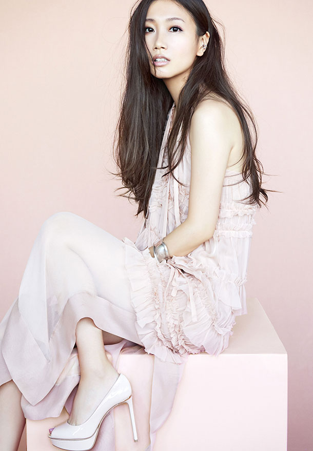 "Ai Otsuka Releases Trailer for New Album ""LOVE HONEY"""