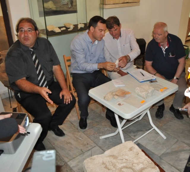 The news conference of the archaeologists from the Burgas Regional Museum of History working on the excavations of the Aquae Calidae - Thermopolis Archaeological Preserve: (L-R) Museum Director Milen Nikolov, Burgas Mayor Dimitar Nikolov, lead archaeologist Dimcho Momchilov. Photo: Burgas Municipality