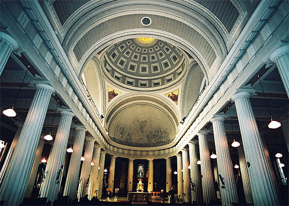 pro_cathedral_interior2_lge