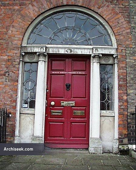 35_doorway_lge
