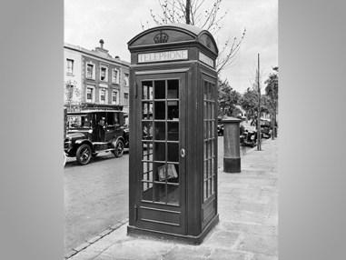 3D-TelephoneBox-EH-BL28503-530x400px