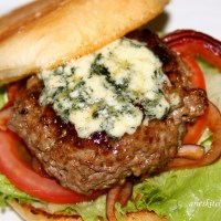 Jamie Oliver's Blue Cheese Beef Burgers Recipe