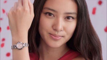 武井咲の指毛画像をまとめてみた!手だけでなく足の指もボーボー!?