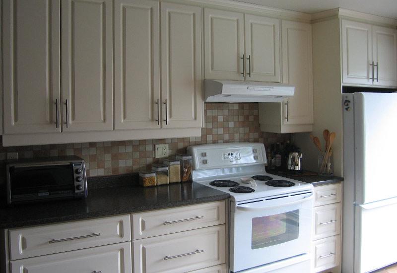 Couleur d armoire de cuisine for Armoire de cuisine usage