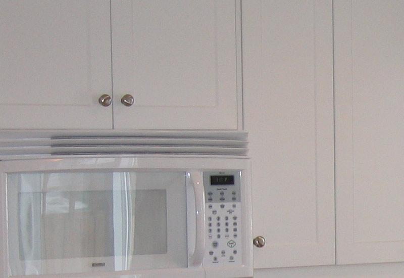 Cuisine en thermoplastique mod le shaker blanc armoires for Armoire de cuisine thermoplastique prix