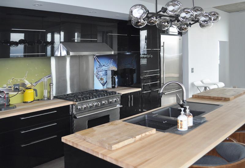 Galerie photos d 39 armoires armoires super prix 514 - Comptoir de cuisine noir ...