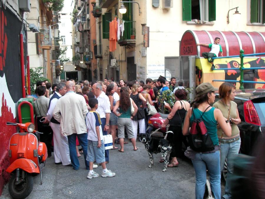 Очередь у входа в Largo Baracche