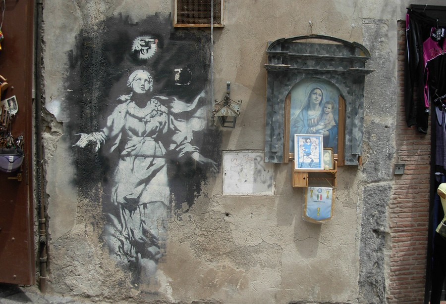Бэнкси, Неаполь // Фото: https://www.facebook.com/pages/Napoli-Street-ART