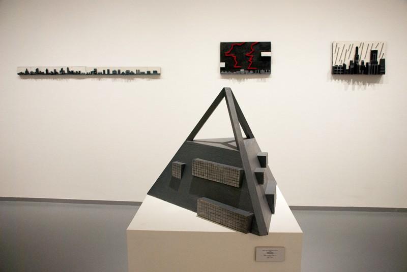 Проект музея современного искусства I. 2010. Дерево, пигмент. Собственность автора