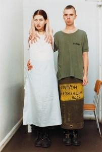 """Вольфганг Тильманс: Сюзанна и Лутц (für """"i.-D.""""), 1992. Цветная фотография, 40,4 x 30,2 см © Wolfgang Tillmans und courtesy Galerie Buchholz, Berlin/Köln"""