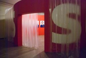 """АЕС+Ф, Подозреваемые, 1997, выставка """"Детектив"""", ММОМА, 2014 // Фото: Ольга Данилкина"""