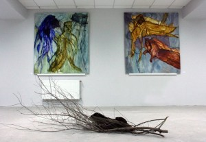На переднем плане –работа Николая Алексеева, на заднем – Ивана Горшкова