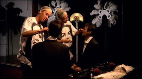Полин Будри и Ренате Лоренц. Саломания. Кадр из видео // Работа представлена в зале 11. Размышления об эпизодических персонажах пьесы